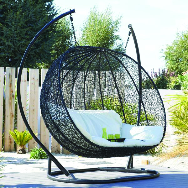 siege suspendu jardin maison design. Black Bedroom Furniture Sets. Home Design Ideas